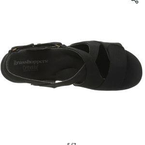 Grasshoppers ortholite black flats sandals 9M